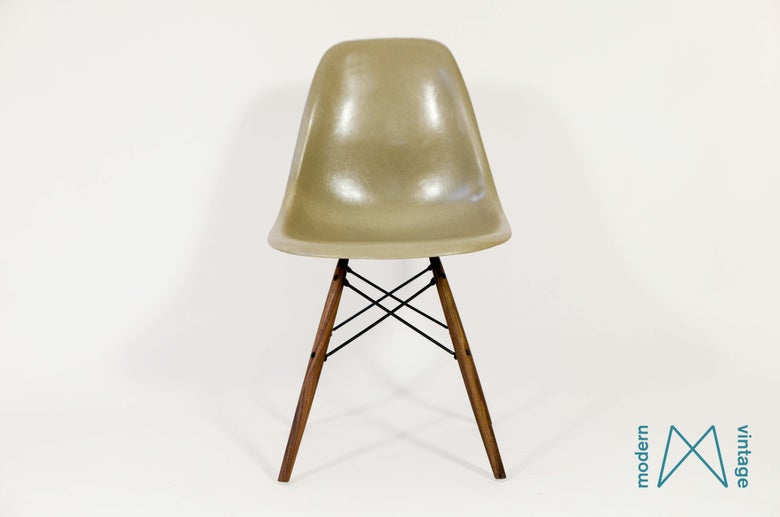 Image of Eames Herman Miller Greige DSW/DSR/DSX early production
