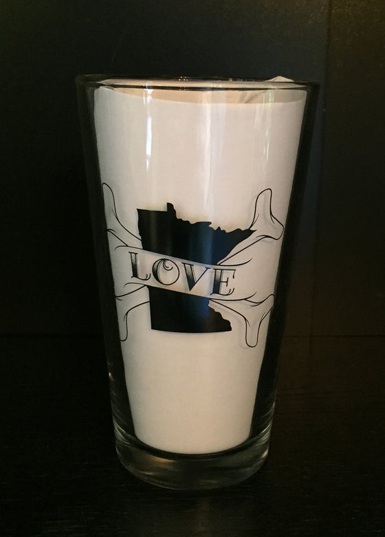 Image of Minnesota Love Pint Glass