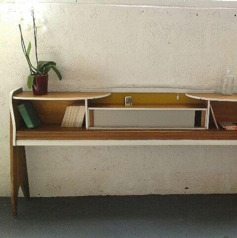Image of Meuble étagère de rangement en bois massif - Vintage