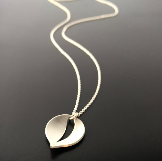 Image of Simple Leaf Necklace