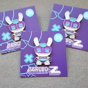 Image of Dairobo-Z GID pin
