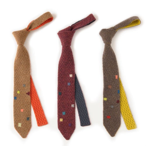 Image of Teddy Texture with Darning Stitch Tie - Dark Natural x Yellow