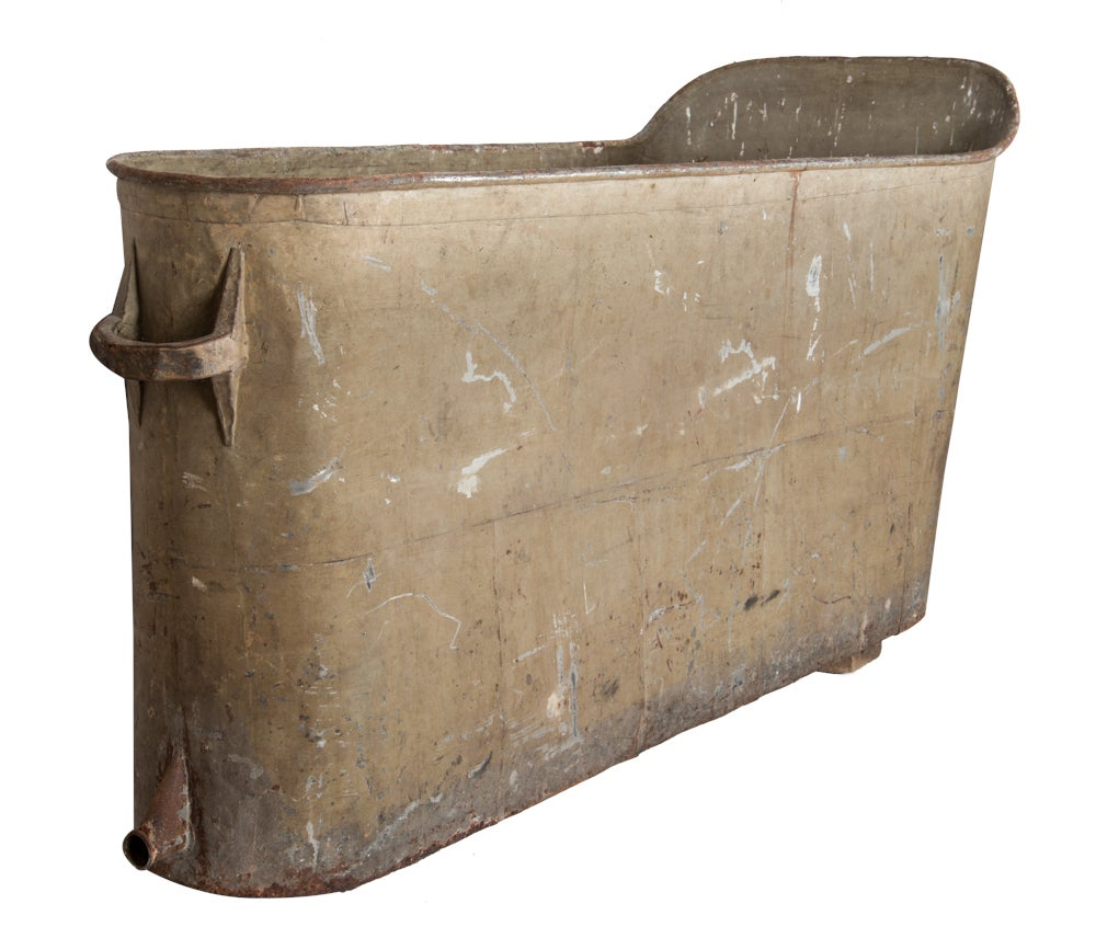 Image of French Iron bath 19th century