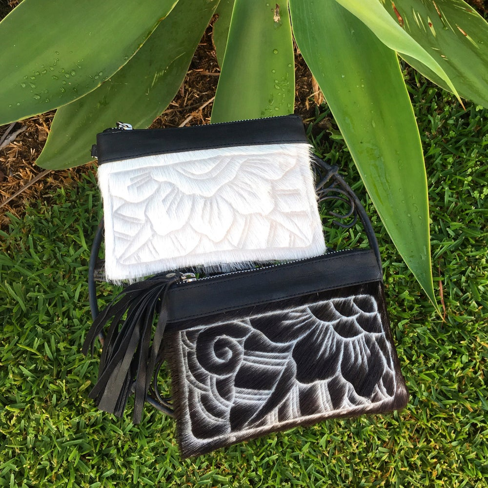 Image of Floral tooled purse