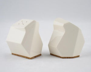 Image of salt/pepper shakers --Bird