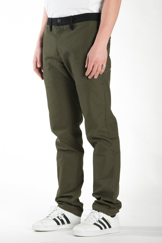 Image of BARRINGTON SLIM (OLIVE/BLACK)