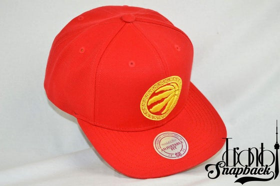 Image of TORONTO RAPTORS CHINESE NEW YEAR ROOSTER MITCHELL & NESS SNAPBACK