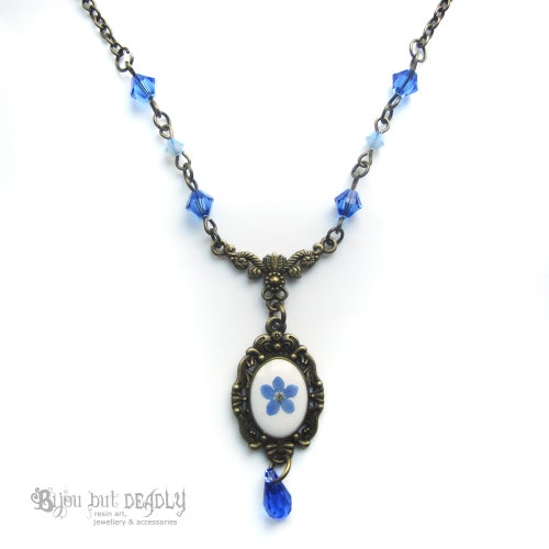 Image of Forget-me-not Flower Beaded Necklace