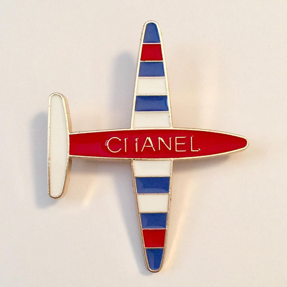Image of Chanel Beaute VIP Gift Pin - Gift With Purchase Limited Edition Promotional Pin