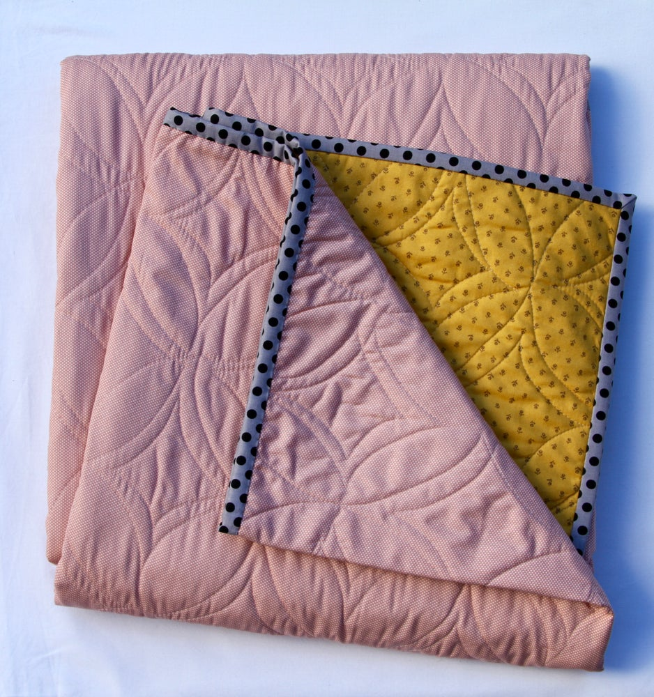 Image of Black and Yellow Broadbill Quilt