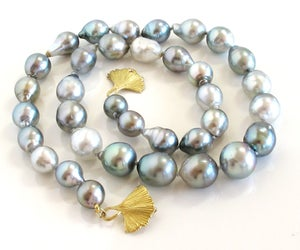 Image of Tahitian Baroque Gray Mix Ginkgo Clasp 18k
