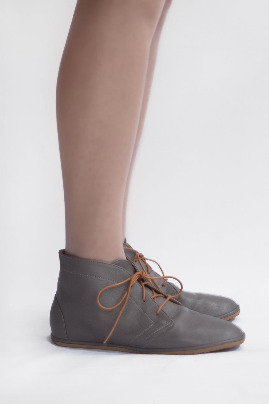 Image of Desert boots - Leona in Pebbled Gray