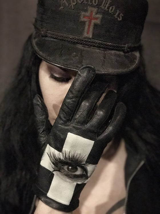 Image of Eye of Protection Leather Glove.