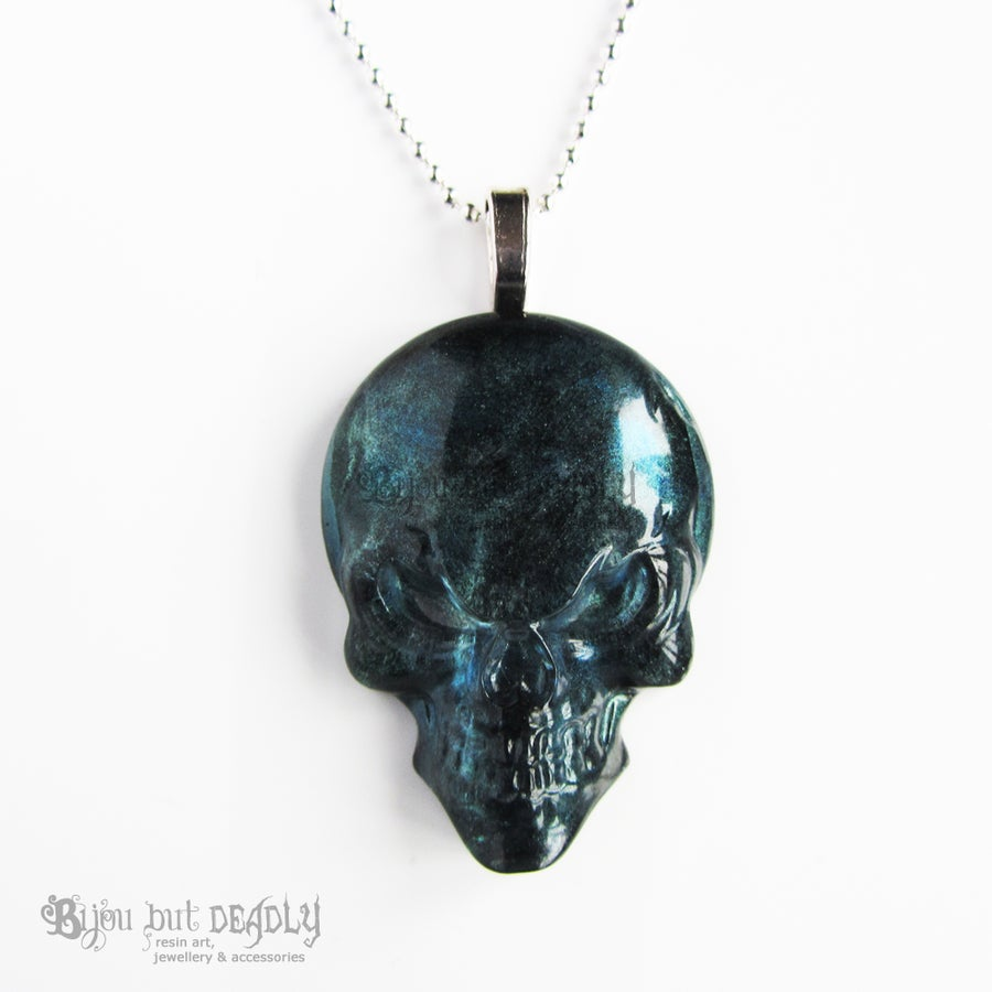 Image of Labradorite Effect Resin Skull Pendant