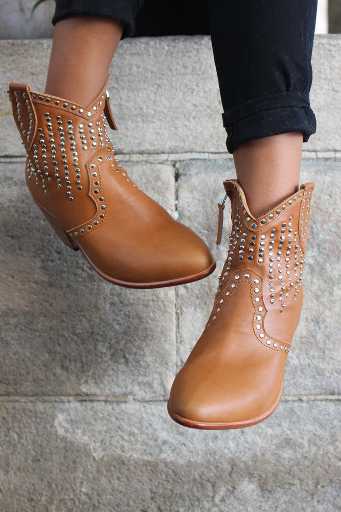 Image of VINTAGE CENTURY LILY BOOT - TAN