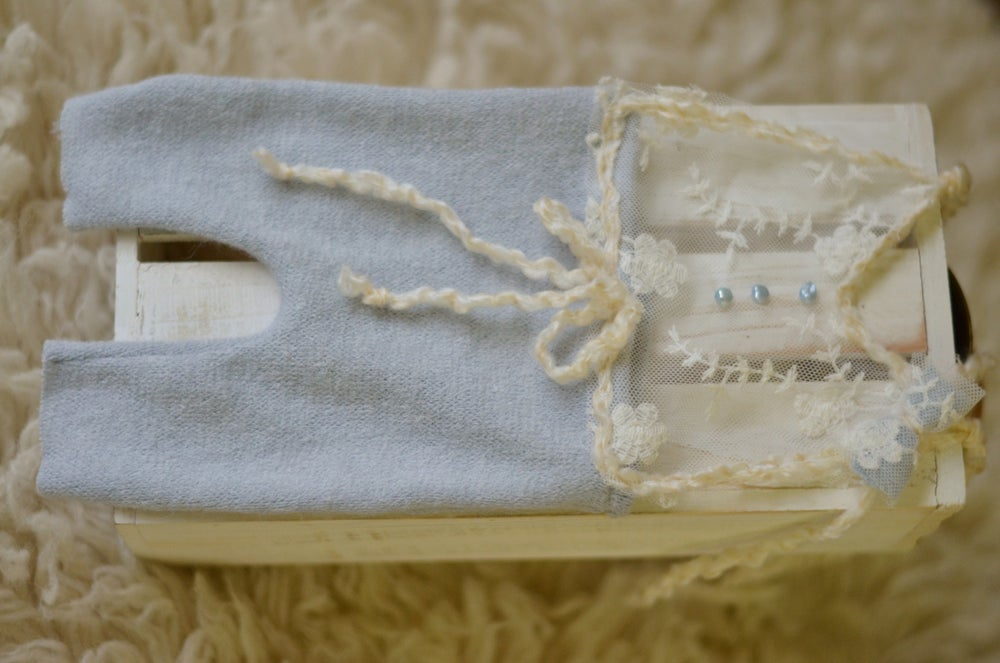 Image of PRETTY IN LACE (light blue)