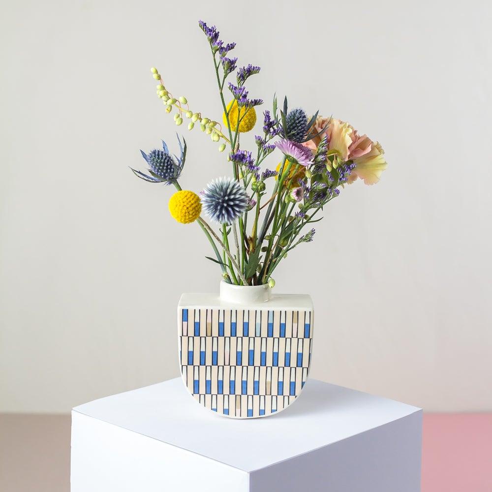 Image of Alto Boat Vase