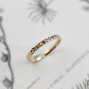 Image of *NEW* 18ct gold champagne diamond set ring