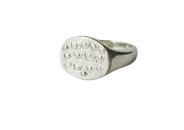 Image of Boob Signet ring Silver