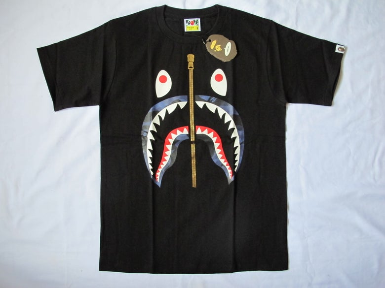 Image of A Bathing Ape (Bape) - SS Camo Shark (Black/Blue)