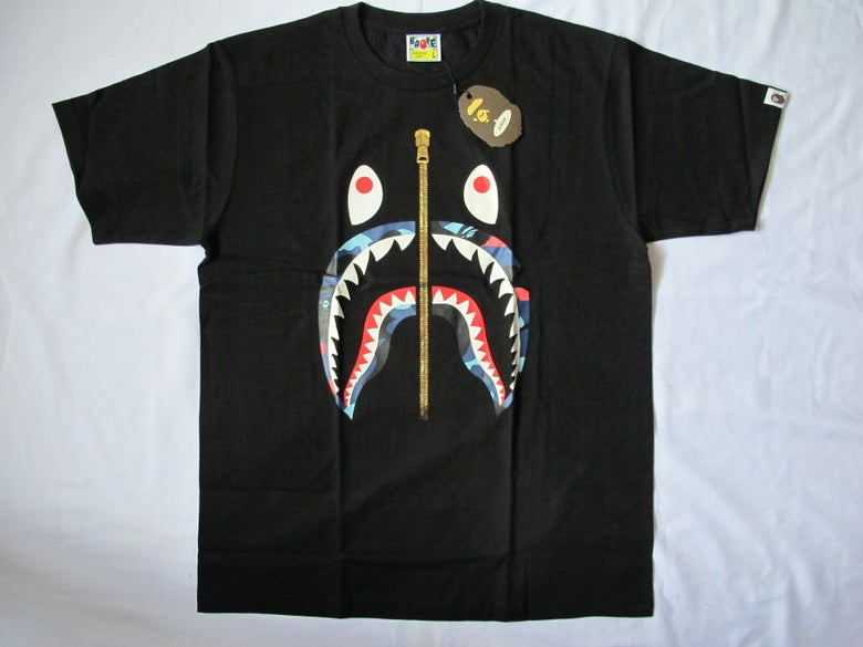 Image of A Bathing Ape (Bape) - SS Camo Shark (Black/Color)