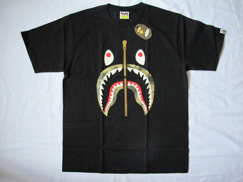 Image of A Bathing Ape (Bape) - SS Camo Shark (Black/Light)