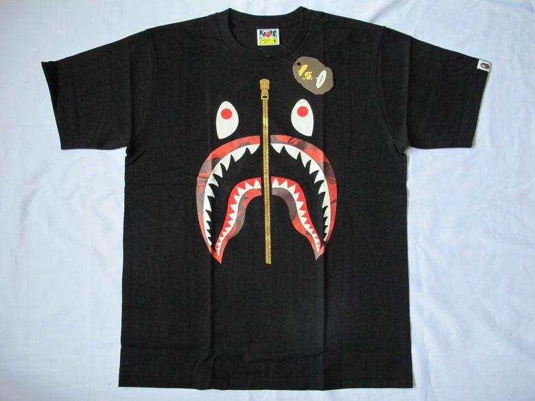 Image of A Bathing Ape (Bape) - SS Camo Shark (Black/Red)