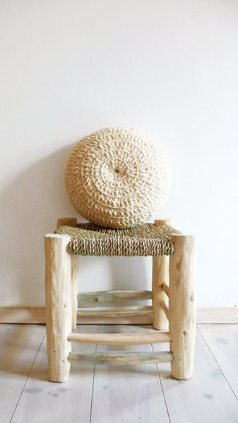 Image of Round Pillow Crochet Wool - Natural undyed