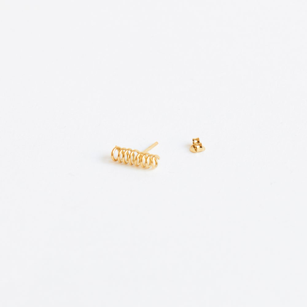 Detalle de Six Single mini spiral stud earring