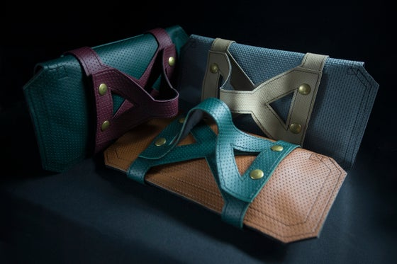 Image of CONEXIA Clutch with Harness