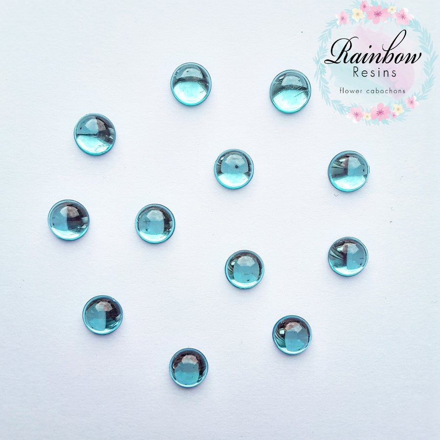 Image of Baby blue 10mm flatback crystals x 12