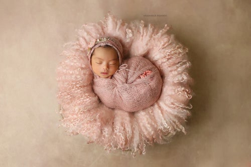 Image of Round Curly Felted Blanket - VINTAGE PINK