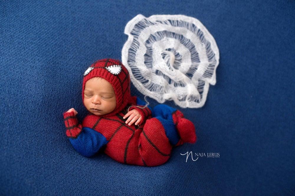 Image of *NEW* Little Spiderman Jammy/Hat Set