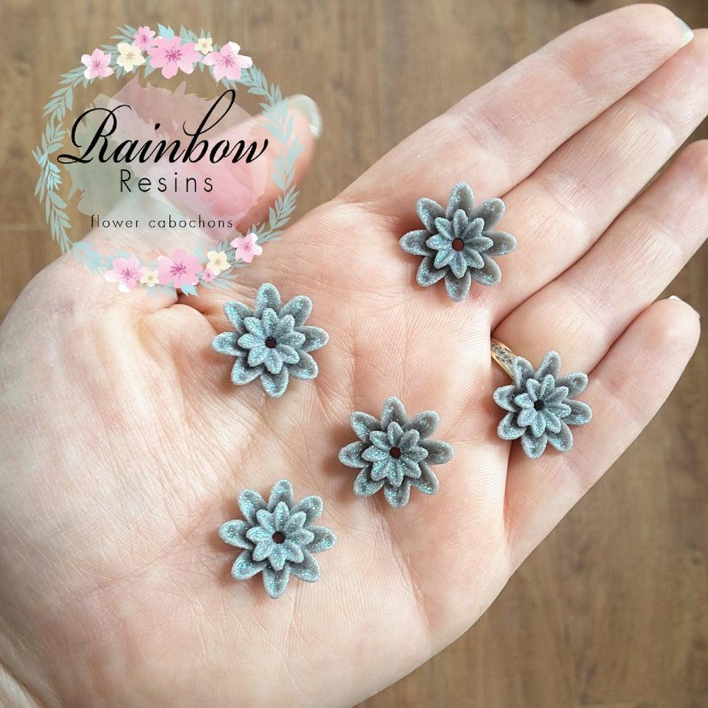 Image of Grey sparkly dahlia flowers x 10