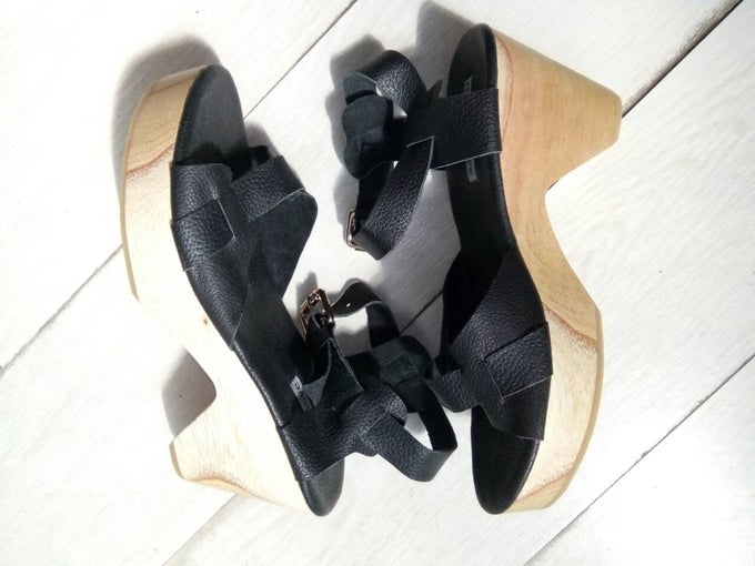 Image of LISA SANDAL - BLACK