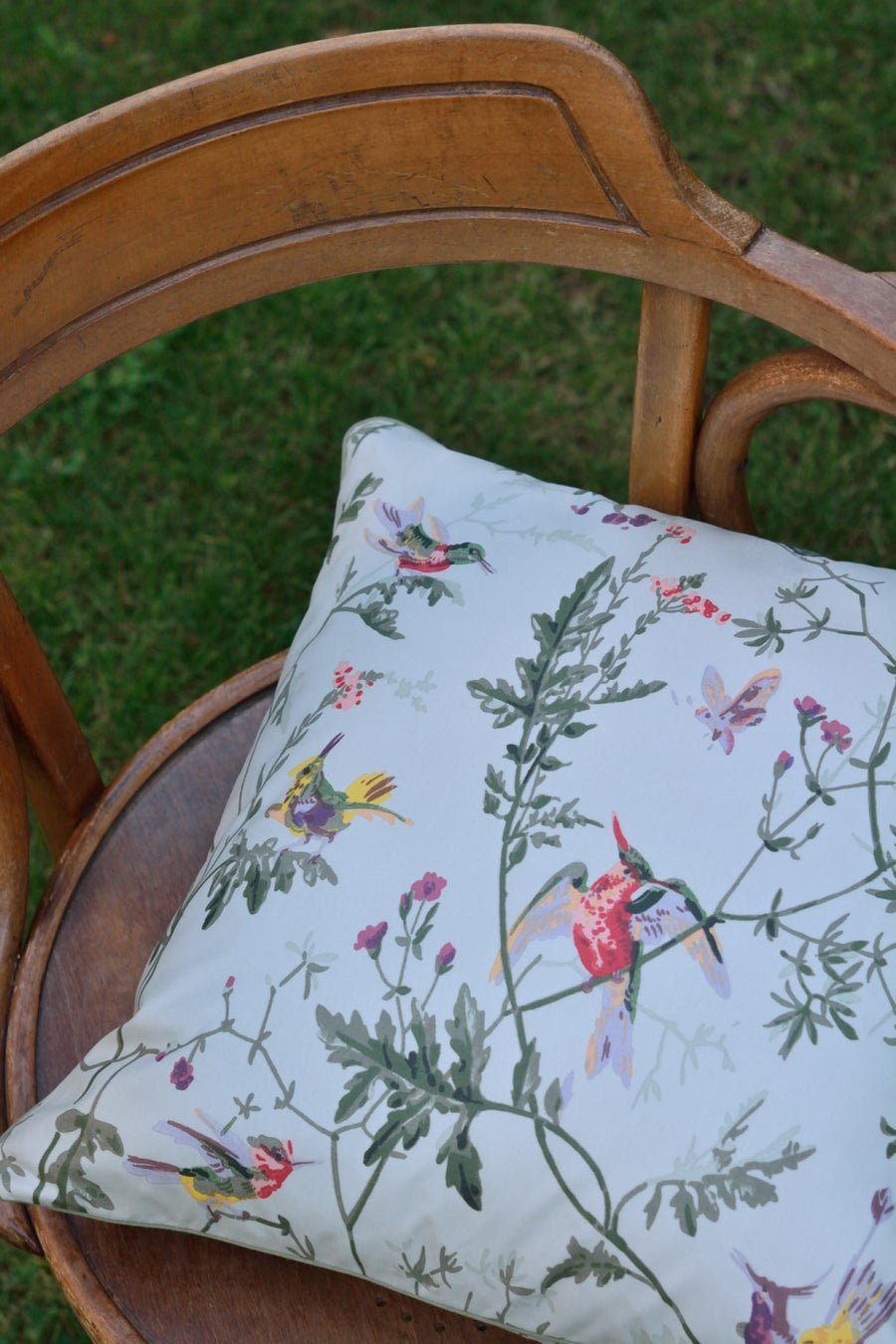 Image of Coussin Cole & Son Hummingbirds