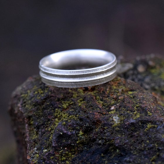 Image of Sterling Silver Round 'Strata' Ring. 5mm diameter band.