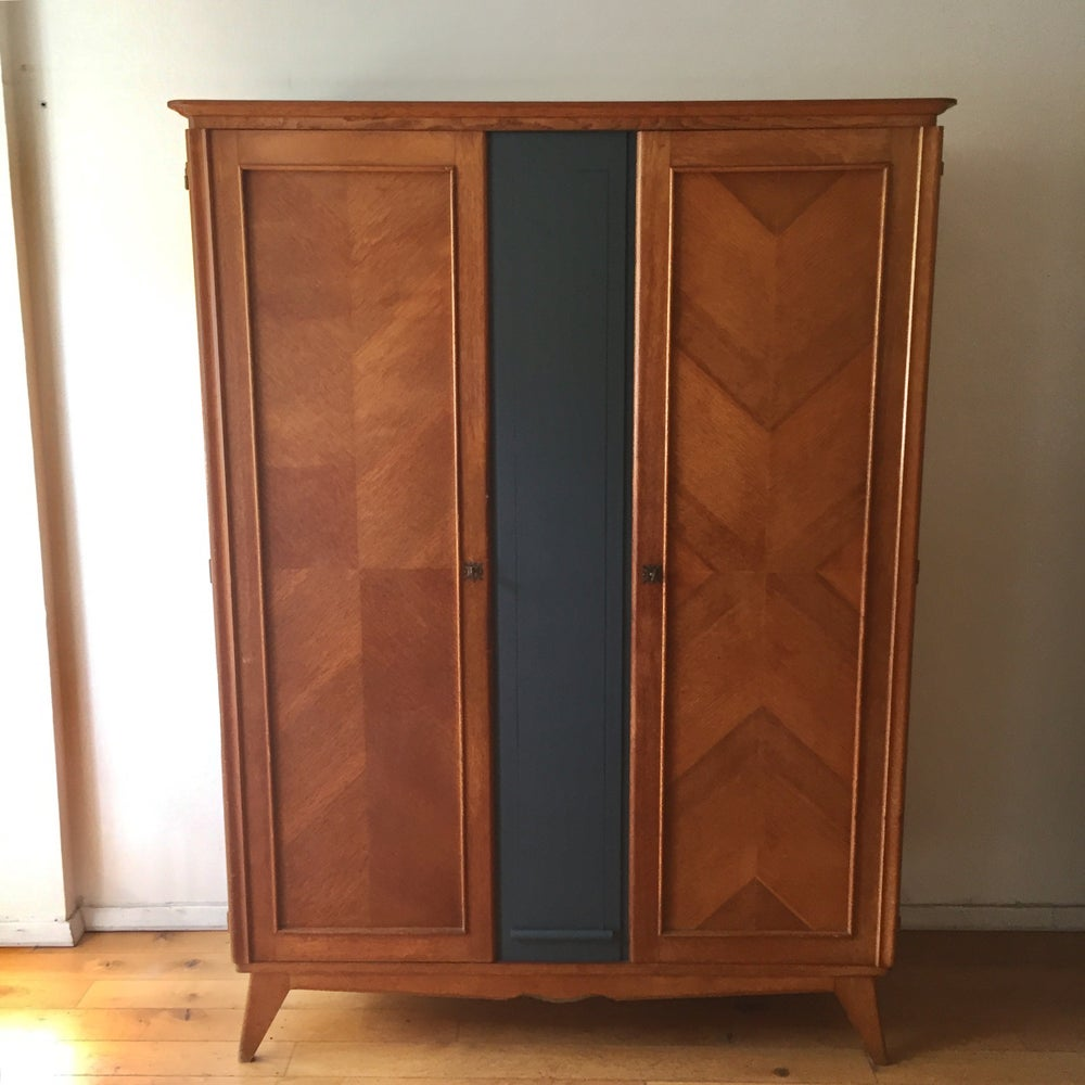Image of Marguerite, armoire vintage