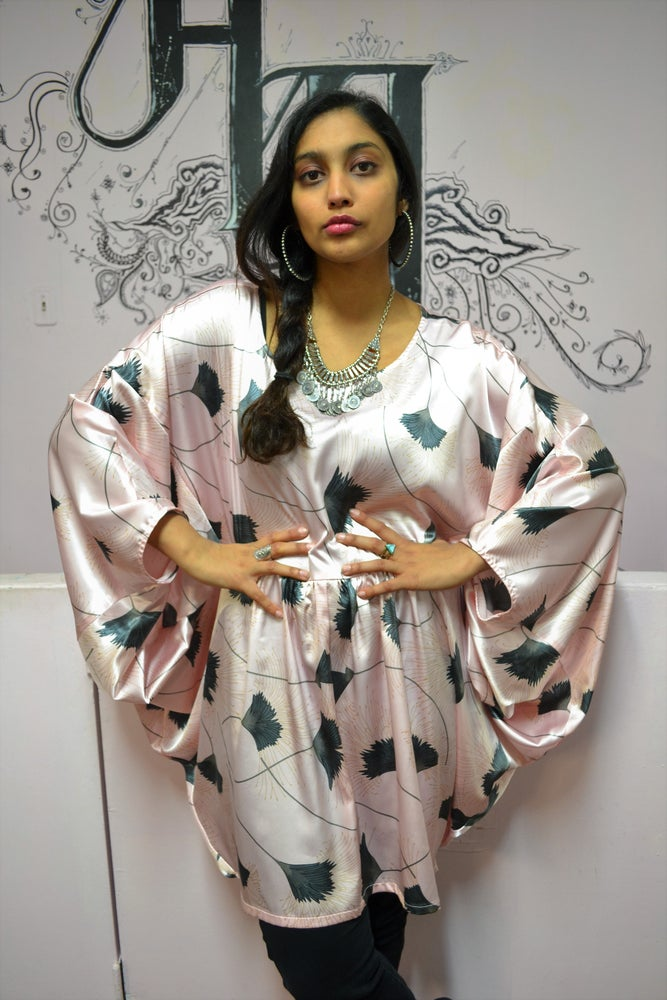 Image of Musas Infinity Kaftan Top.