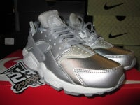 "Air Huarache Run SE WMNS ""Metallic Silver"" - areaGS - KIDS SIZE ONLY"