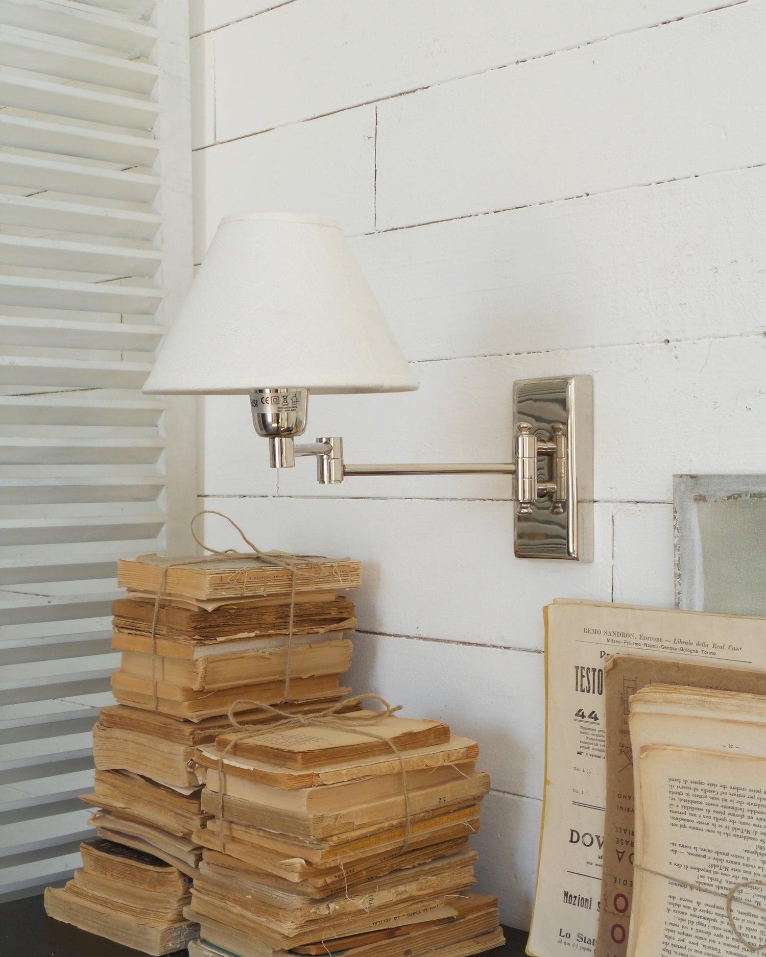 Image of Applique Plaza vintage chrome cappello a pinza