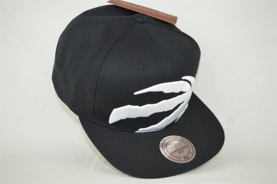 Image of Toronto Raptors Cropped XL logo Mitchell & Ness Snapback cap