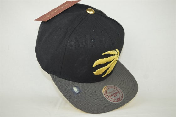 Image of Toronto Raptors Black Grey & Gold Mitchell & Ness Snapback