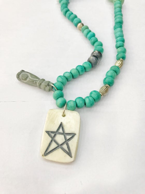 Image of STAR GREEN NECKLACE