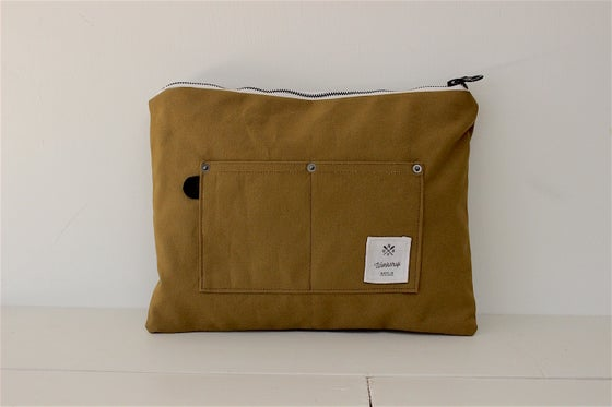 Image of CANVAS POUCH (large)