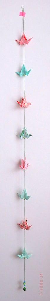 Image of Guirlande petites grues menthe et rose