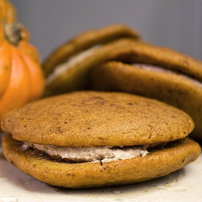 Image of pumpkin spice whoopie pie