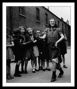 Image of SP36-East End girl dancing the Lambeth Walk, 1939