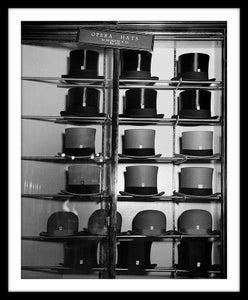 Image of SP32-Hatter's window, Bond St London 1930-5