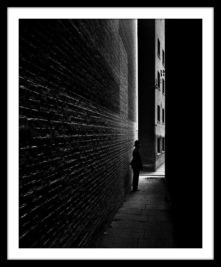 Image of SP34-Policeman in a Bermondsey Alley, 1938